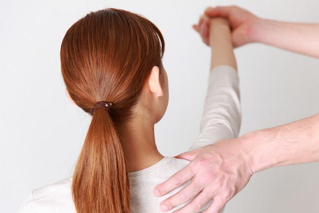 痛みを取り除く施術で肩関節の可動域も広がります